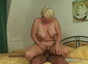 Real mom sucking sons cock